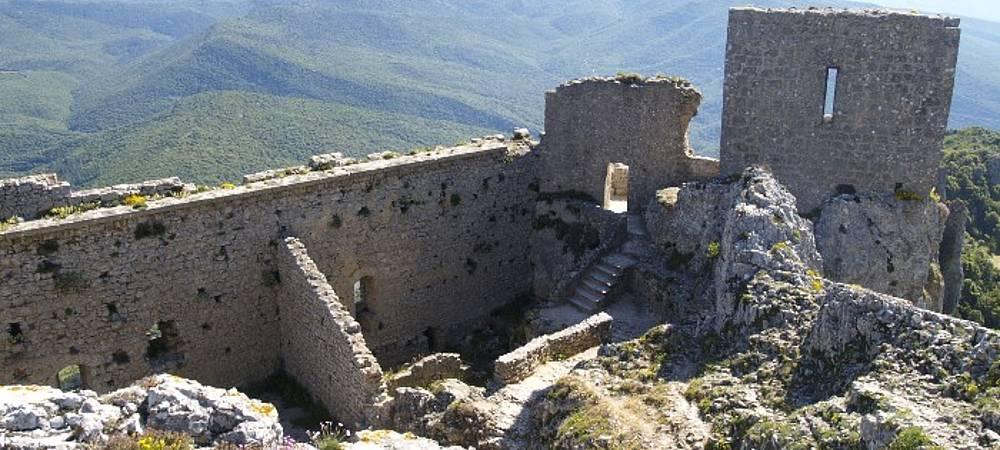 Château de Quillan - https://festivalfilminsoliterenneslechateau.fr